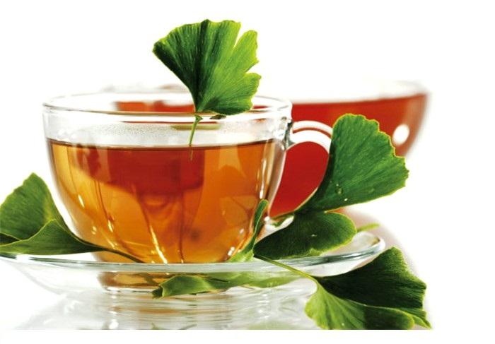 Drinking Ginkgo Biloba Tea
